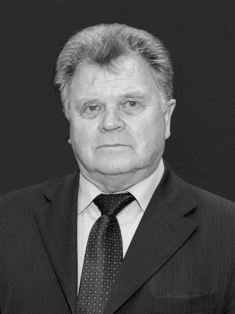 20 марта после тяжелой и продолжительной болезни на 76 году жизни скончался Владимир Алексеевич Уваров